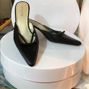 Unisa Black Ladies Shows Size 8.5